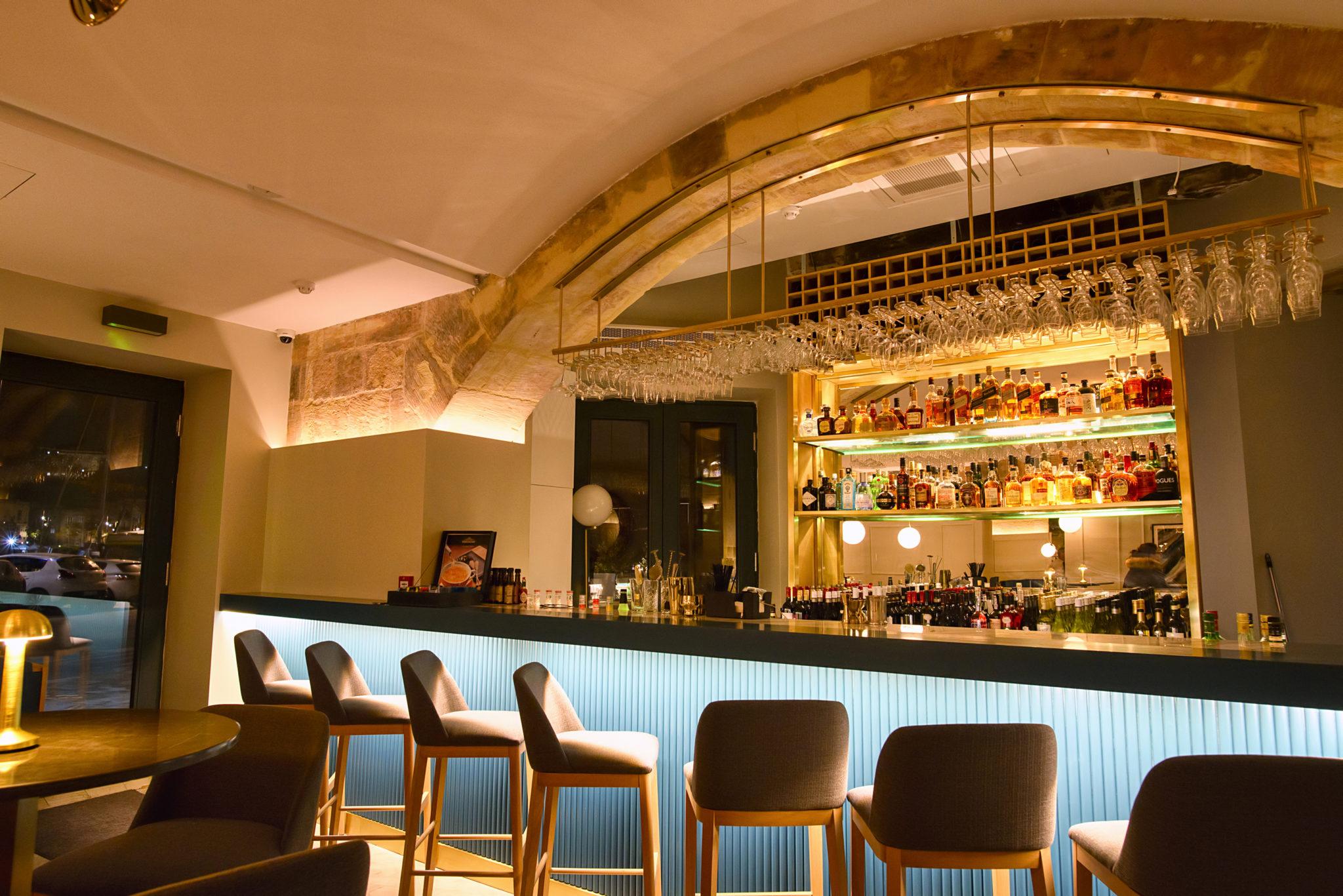 Macina Bar